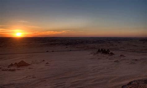 testo dall al tramonto karima piramidi piramidi al tramonto viste dall alto