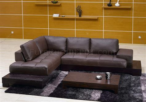 Modern Brown Leather Sofa Brown Leather Modern Sectional Sofa W Wooden Base