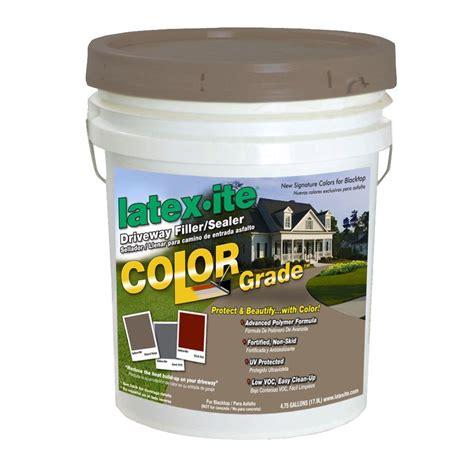 ite 4 75 gal color grade blacktop driveway filler