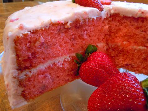 strawberry cake strawberry cake cookiescakespiesohmy