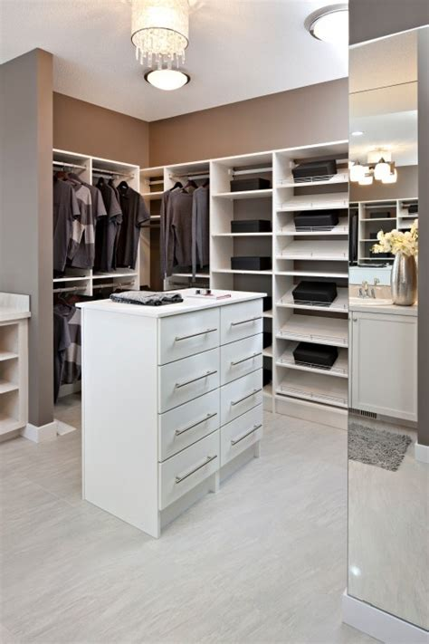 island with drawers for closet like the island of drawers master closet ideas