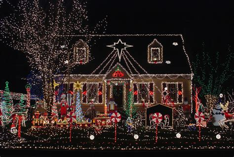 pictures of homes decorated for christmas on the inside christmas decorations photo contest