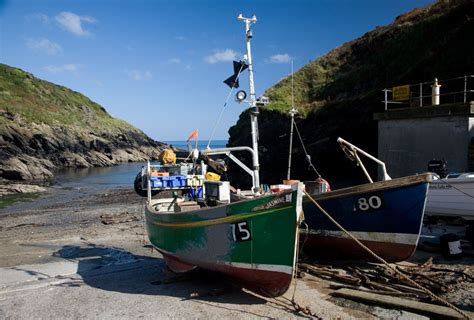 boat harbor pictures portloe harbour and fishing boats cornwall guide photos