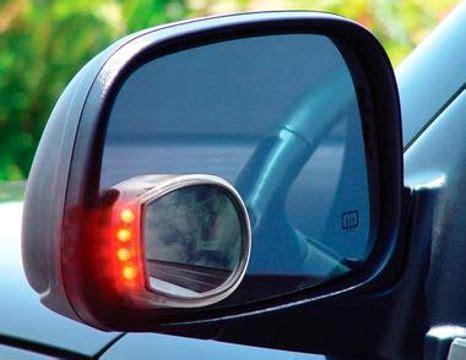 Kaca Spion Mobil March kaca spion tambahan untuk menghindari daerah blind spot