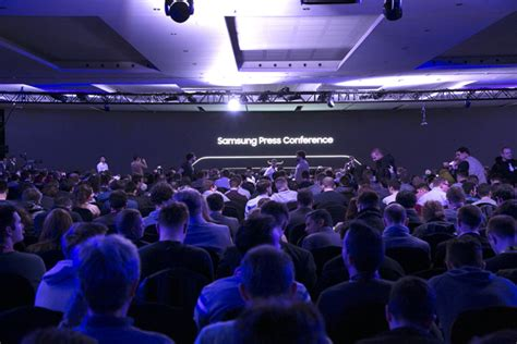 samsung showcases redefined mobility with new tablet