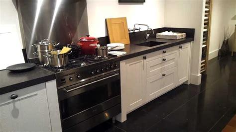 eiken keuken te koop eiken showroom keuken te koop bij het keukenhuys youtube