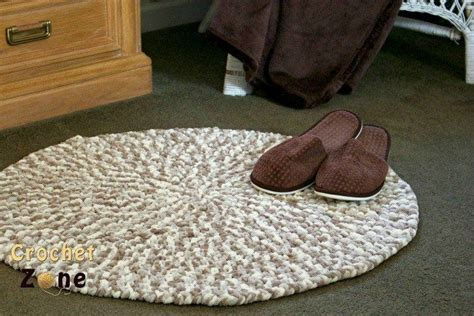 crochet rug pattern with yarn 1000 images about crochet pillows rugs on pinterest