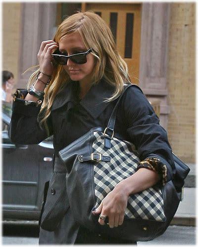 Ashlee Simpsons Fendi B Bag by Ashlee Style Name That Bag Purseblog