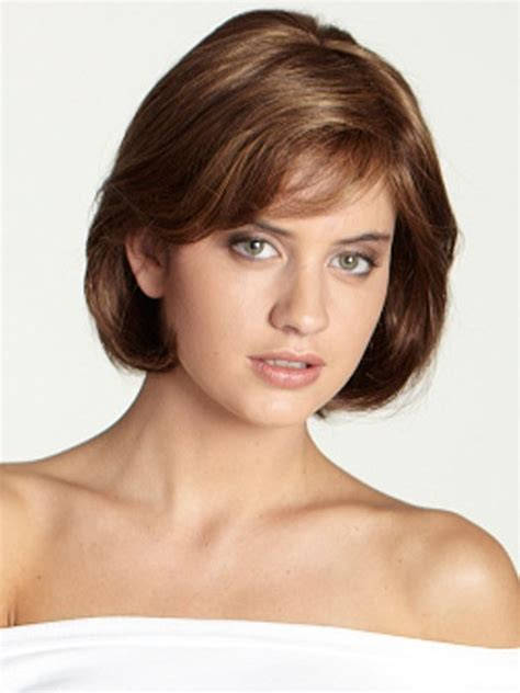 a hairstyle that can be styled feminine or masculine 12 simple short female haircuts olixe style magazine