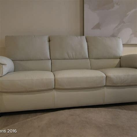 divani e divani by natuzzi punti vendita divani divani by natuzzi divano chass 232 in pelle scontato