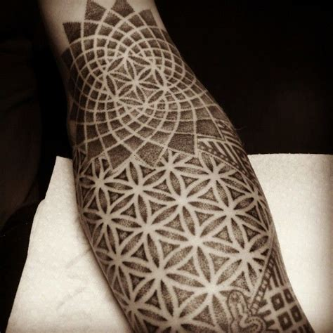 amsterdam dotwork geometry tattoos some progress on this geometric halfsleeve