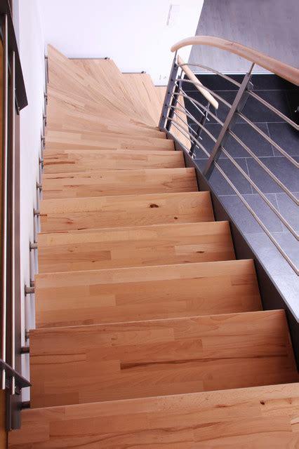kreuzberger treppen stahlwangentreppe mit wandbolzen modern treppen