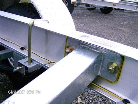 are aluminum boat trailers better than steel venture trailers