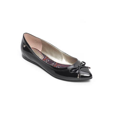 Pointy Bow Flats hilfiger bow pointy toe flat in black lyst