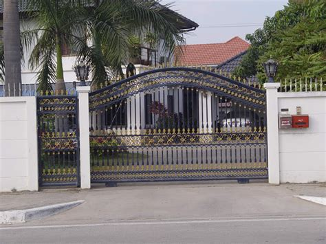 house get design iron gates design gallery 10 images kerala home design and floor plans
