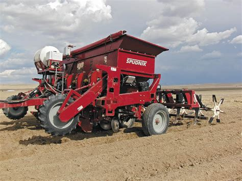 Spudnik Potato Planter by Spudnik Bed Planters Potato Grower Magazine