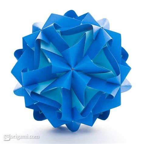 Modular Origami Kusudama - tropos kusudama by miyuki kawamura go origami
