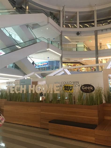 visit the best buy tech home in the mall of america