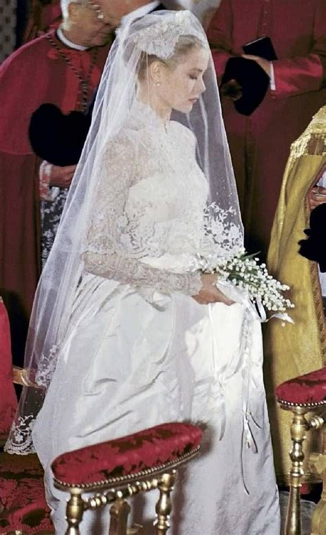 hochzeitskleid grace kelly grace kelly princess grace of monaco on her wedding day