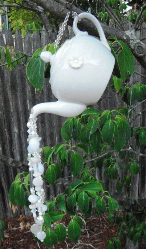 Hanging Garden Decor 1000 Ideas About Recycled Garden Crafts On Pinterest Tires Spoon Hooks And Recycling