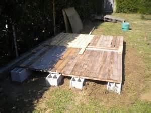 fabriquer une cabane en bois pas cher mzaol