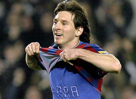lionel messi biography francais lionel messi argentina football player profile bio images