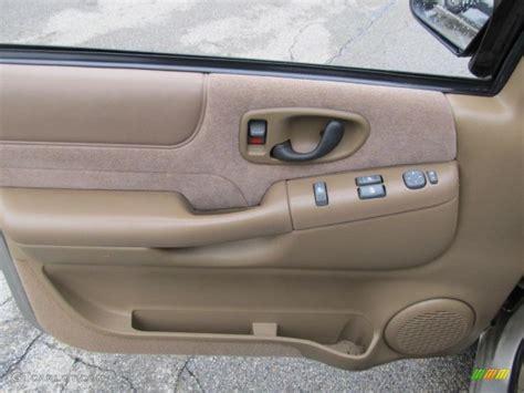 2000 Chevy Blazer Door Panel 2000 chevrolet blazer ls 4x4 beige door panel photo