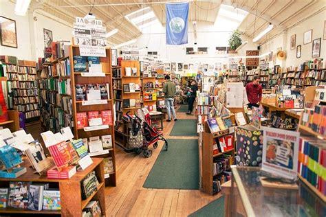Walden Pond Bookstore   53 Photos & 182 Reviews