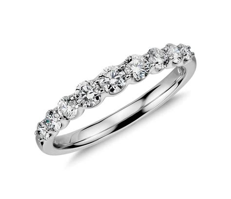 graduated ring in 14k white gold 1 2 ct tw