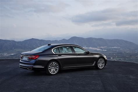 bmw inside 2016 2016 bmw 7 series finally officially unveiled the