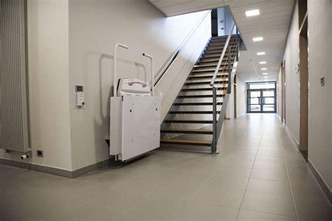 fauteuil pour escalier o 249 acheter un monte escalier ou plateau 233 l 233 vateur pour fauteuil roulant chez comfortlift