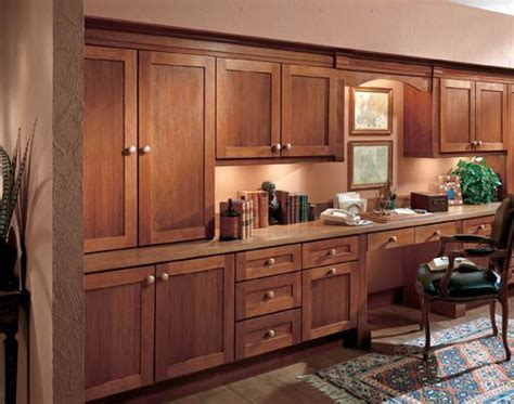 wellborn cabinetry again, hardware is a bit chunky