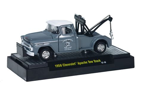 M2 Machines 1951 Studebaker 2r Truck Hitam sidetracks vehicles