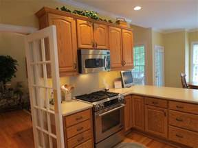 colors for kitchens with oak cabinets best kitchen paint colors with oak cabinets my kitchen