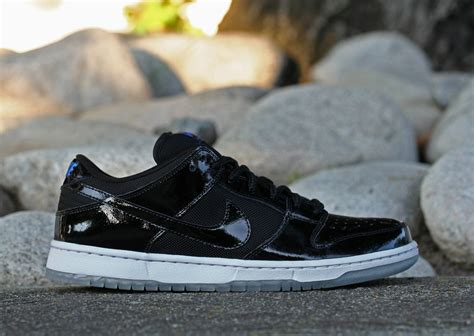 nike sb space jam nike dunk low pro sb quot space jam quot releases today air 23