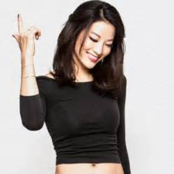 teen wolf star arden cho shares photos from wolfcon featuring tyler posey ian bohen