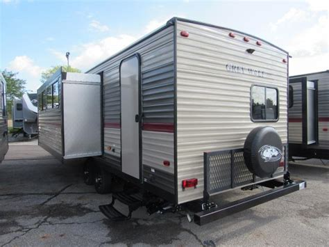 travel trailers with bunk beds 2018 cherokee grey wolf 27dbs travel trailer with bunk beds