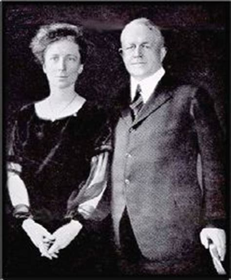 biografia de frank b gilbreth frank lillian gilbreth these are the real mother and