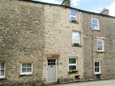 back cottage kirkby lonsdale the lake district and