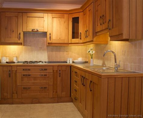 solid oak kitchen cabinets best 20 solid wood kitchen cabinets ideas on pinterest
