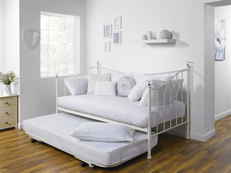 pictures of daybeds objects of design 203 iris day bed mad about the house