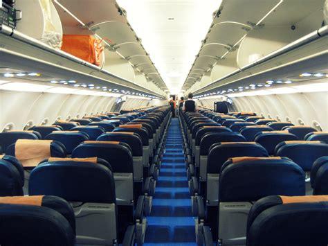 easyjet cabin file easyjet a321 cabin g ttif jpg wikimedia commons