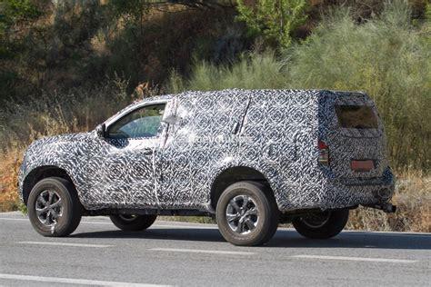 Next Gen 2019 Nissan Pathfinder Spied, Shows Radical Front