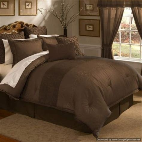 Chocolate Brown Bedding Sets 25 Best Ideas About Chocolate Brown Bedrooms On Pinterest Brown Bedrooms Brown Bedroom Walls