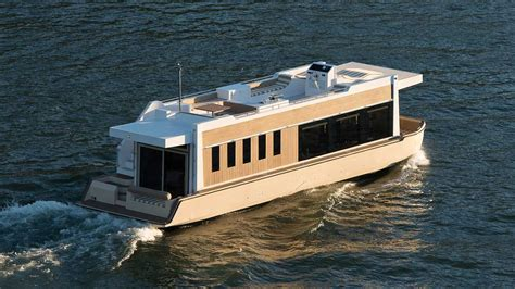 trimaran houseboat crossover yachts luxury houseboat cruising trimaran