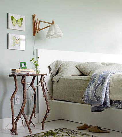 decorar mesita de noche ideas para decorar con ramas un dormitorio en bricolage