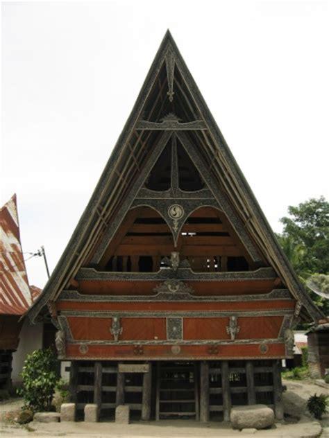 kumpulan nama dan gambar rumah adat di indonesia