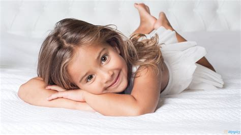 very young little girls but very cute little baby girl hd wallpaper baby wallpapers