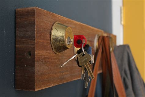 Coat And Key Rack by 19 Easy Diy Coat Rack Design Ideas