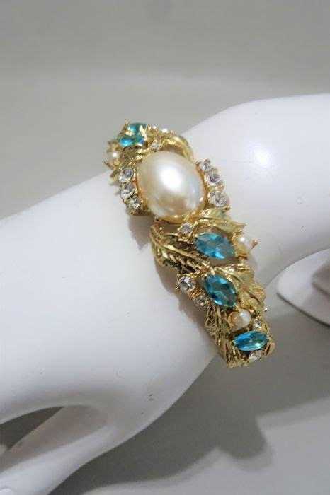Camrose & Kross   JBK   Jackie Bouvier Kennedy   Bracelet, Swarovski Crystals and faux pearls